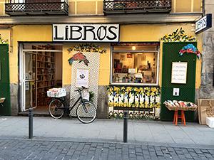 tienda de libros de segunda mano para apoyar la economia circular